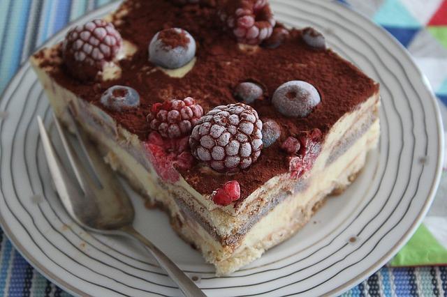 Remek desszert a málnás süti